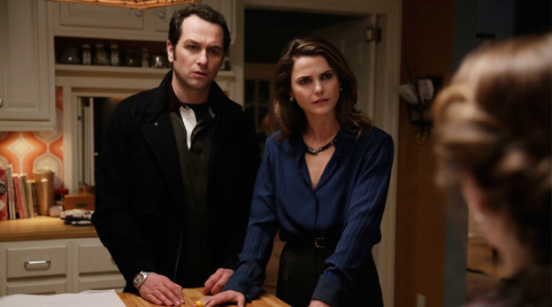 The Americans 3x10 Stingers